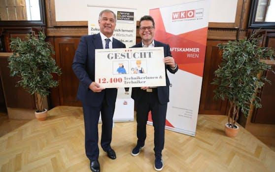 Die Wiener Wirtschaft wünscht sich mehr Techniker (v.l.n.r.: WKW-Präsident Walter Ruck und Bildungsstadtrat Jürgen Czernohorszky präsentieren Bedarfsanalyse)