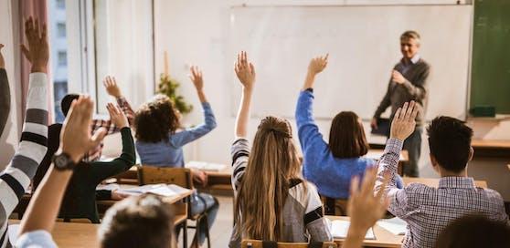 In Wiener Schulen soll administratives Personal aushelfen. Die ersten Bewerber der Joboffensive 50plus starten im November.