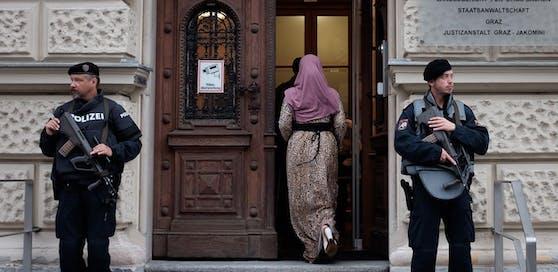 Hohe Sicherheitsmaßnahmen vor dem Grazer Landesgericht (Symbolbild)