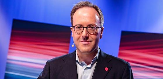 Der Tiroler Neos-Spitzenkandidat Dominik Oberhofer (NEOS) darf sich über den Einzug in den Landtag freuen.