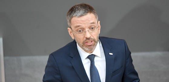 Innenminister Herbert Kickl (FPÖ) im Rahmen einer Sitzung des Nationalrates im Parlamentsausweichquartier in der Hofburg in Wien am Donnerstag, 28. März 2019.