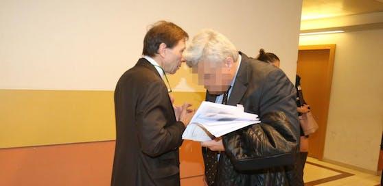 Anwalt mit Anwalt: Georg U., R. Mayer.