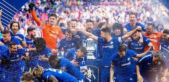 Chelsea feierte den FA-Cup-Sieg 2018 noch mit Champagner-Dusche