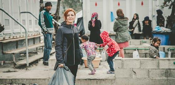 """Grünen-Abgeordnete Ewa Ernst-Dziedzic besuchte das Flüchtlingslager """"Moria"""" auf Lesbos."""