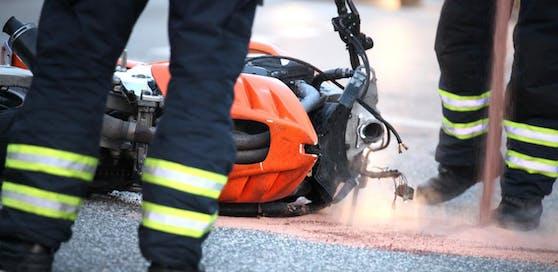 Der Biker wurde bei dem Unfall schwer verletzt