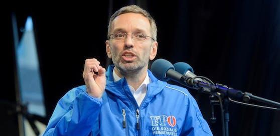 FPÖ-Generalsekretär Herbert Kickl bei einem Wahlkampfauftritt