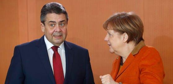 Die deutsche Kanzlerin Angela Merkel mit Außenminister Sigmar Gabriel.