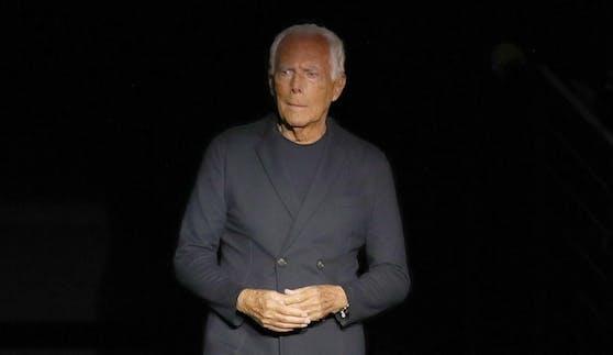 """Giorgio Armani ist sich sicher, dass Modekollektionen in der Zukunft schlanker ausfallen werden, """"mit nur wenigen Stücken""""."""