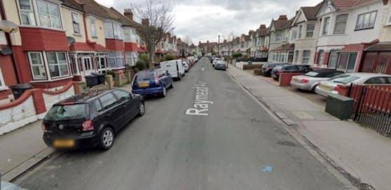 An der Raymead Avenue in Thorton Hill im Stadtteil Croyden geschah die Bluttat.