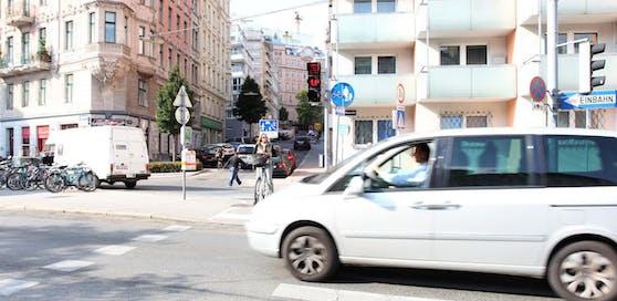 Auf der Linken Wienzeile soll ein Lückenschluss beim Radweg kommen. Rund 77 Parkplätze werden voraussichtlich wegfallen.
