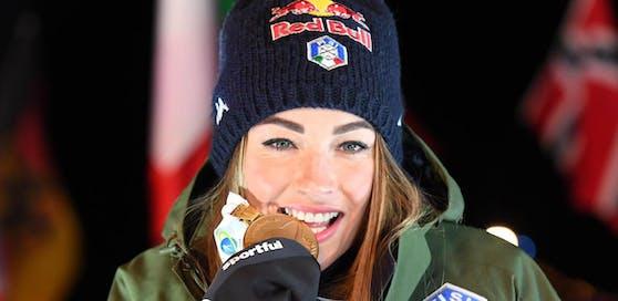 Die Italienerin Dorothea Wierer ist mit Silber und Gold der Star der Biathlon-WM in Antholz.