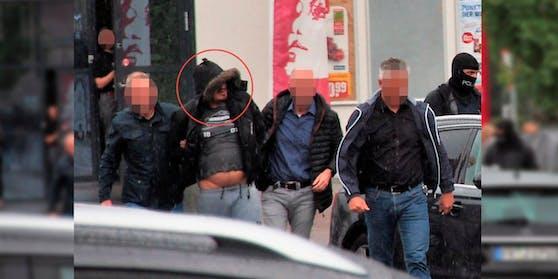 Endlich: Hier wird der Hauptverdächtige im Freiburger Missbrauchsfall, Christian L. (39), abgeführt.