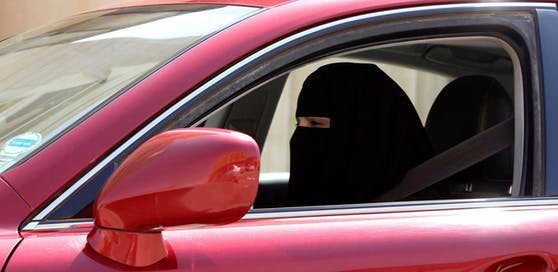 Auch Frauen sollen in Saudi-Arabien künftig Autofahren dürfen.
