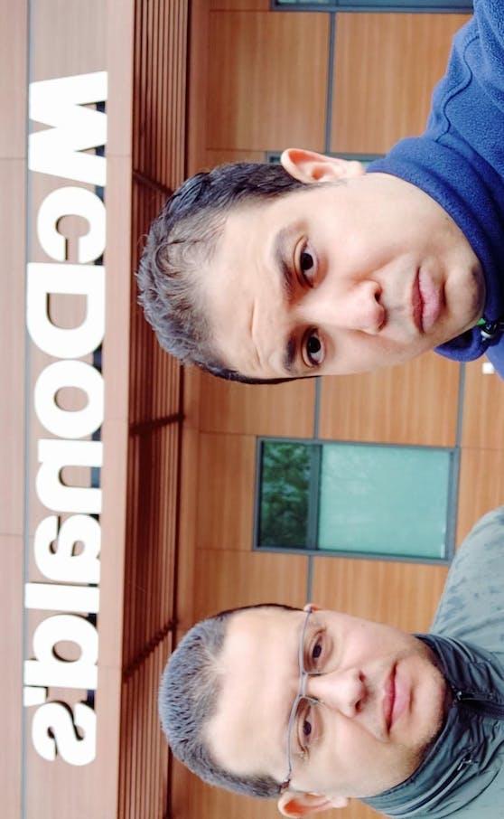 Hassan S. (33) mit einem Freund vor der McDonalds-Filiale in Penzing.
