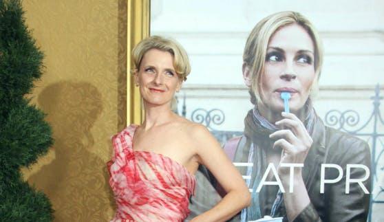 """Autorin Elizabeth Gilbert bei der Filmpremiere von """"Eat Pray Love"""" in New York"""