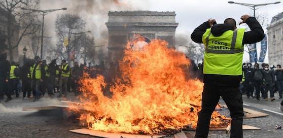 Die Champs Elysees brannten vergangenen Samstag.
