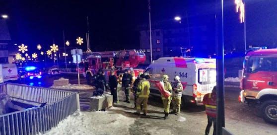 Die Einsatzkräfte waren mit mehreren Fahrzeugen vor Ort