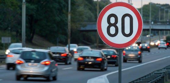 Wiener Neudorf hofft nun endlich Tempo 80 auf A2 durchsetzen zu können (Symbolbild).