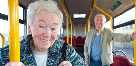 Soll laut einigen Ärzten gesund sein: im Bus stehen. (Symbolbild)