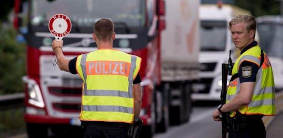Aufgrund des verhängten Ausfuhrstopps von Deutschland, müssen Oberösterreichs Spitäler auf Corona-Schutzmasken warten