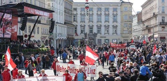 Normal feiert die Linzer SPÖ den 1. Mai auf dem Hauptplatz.