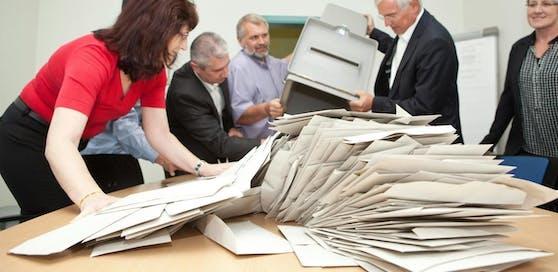 Archivbild: Stimmauszählung nach der Landtagswahl in Vorarlberg.