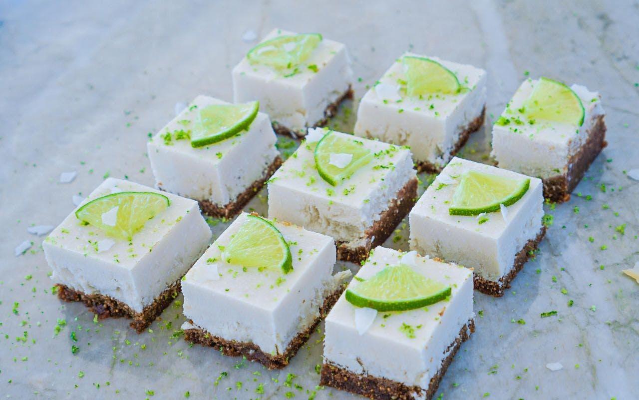 Veganer Limetten-Cheesecake ohne Zucker