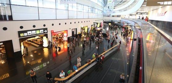 Die Reisenden wurden zum Flughafen Wien-Schwechat gebracht, aber auch zum Wiener Westbahnhof.