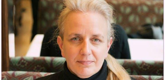 Autorin Daniel Kickl schreibt auf Facebook satirisch gegen ihren Cousin Herbert Kickl, dem frischgebackenen Innenminister.