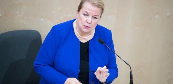 Ministerin Beate Hartinger-Klein (FPÖ) lässt aufhorchen.
