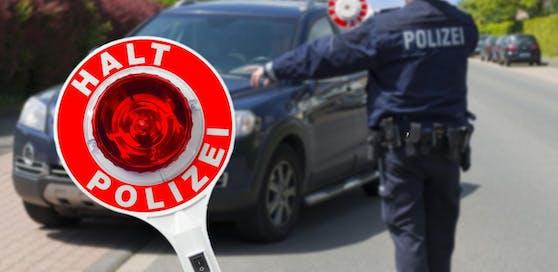 Die Polizei erwischte den Kennzeichen-Dieb, der keinen Führerschein besitzt.