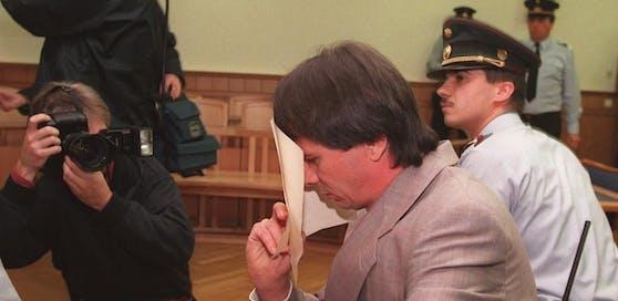 Wolfgang Ott während seiner Gerichtsverhandlung wegen Mordverdacht im Wiener Landesgericht am 03.Oktober 1996.