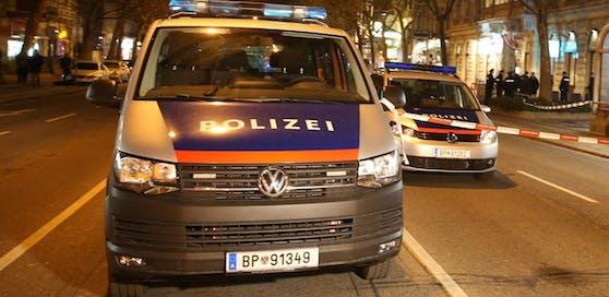 Die Polizei musste spätnachts zu einem Überfall ausrücken.