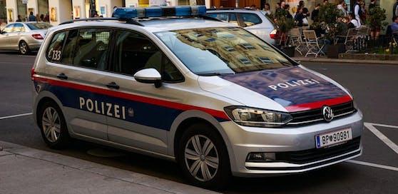Die Polizei nahm den 19-Jährigen auf die Dienststelle mit.