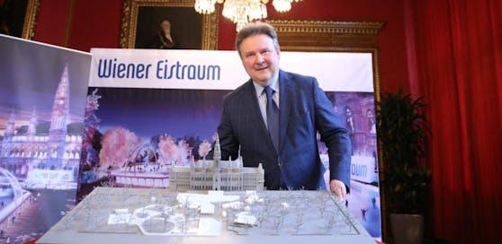 Bürgermeister Michael Ludwig bei der Präsentation des neuen Eistraums.