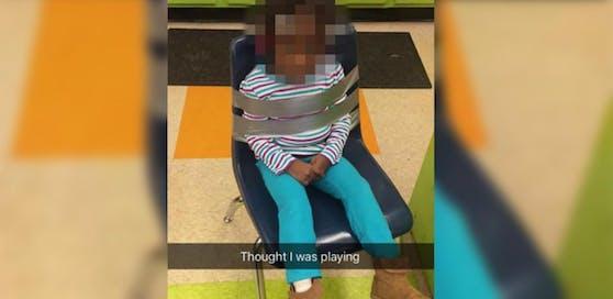 Die Tochter von Elysha Brooks wurde an einen Sessel gefesselt