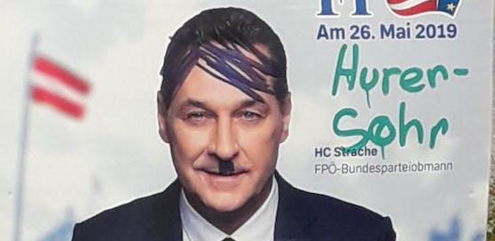Eines der verunstalteten Wahlplakate der Freiheitlichen.