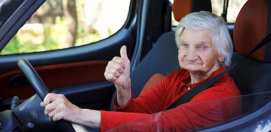 Eine 80-Jährige drückte ordentlich auf das Gaspedal
