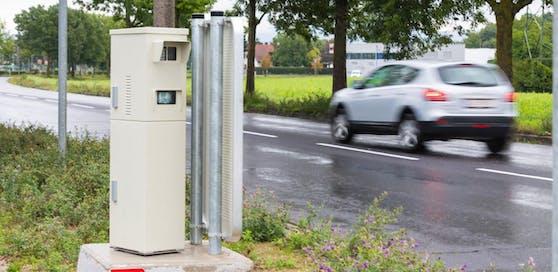 Neuer Radarkasten nahe dem Franzosenhausweg in Linz.