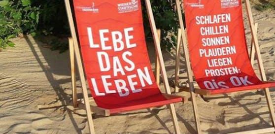 Liegestuhlabverkauf bei der Strandbar Herrmann