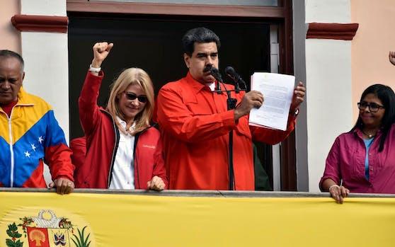 Venezuelas Präsident Nicolas Maduro bei einer Rede vor seinen Anhängern am 23. Jänner 2019.