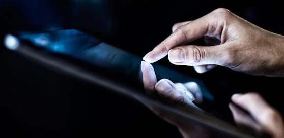 Nur jeder fünfte Jugendliche setzt auf ein Tablet, dafür aber fast jeder zweite Senior.