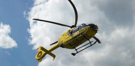 Der Bub wurde mit dem Hubschrauber ins Spital geflogen