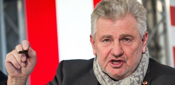 """Andreas Mölzer (FP) sieht in der Historikerkommission seiner Partei lediglich ein """"taktisches Manöver""""."""