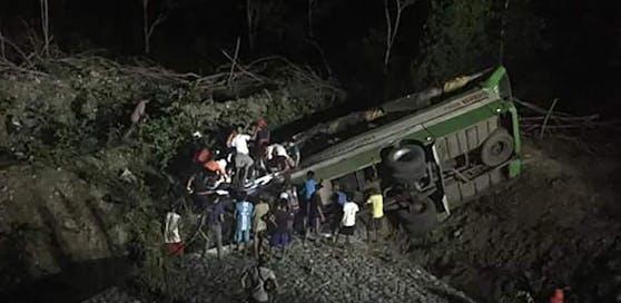 15 Menschen waren bei dem Busunglück sofort tot