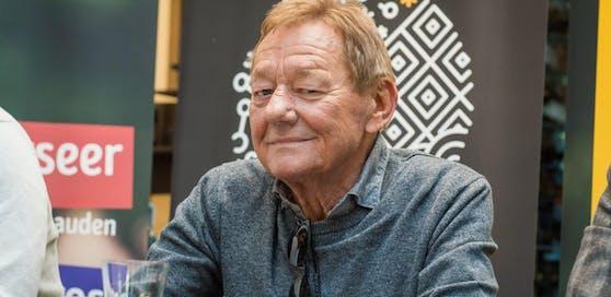 Wolfgang Ambros kritisiert die Kürzungen der Mindestsicherung.