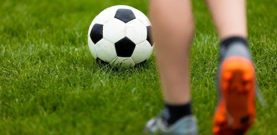 Fußball darf weiterhin nicht gespielt werden.
