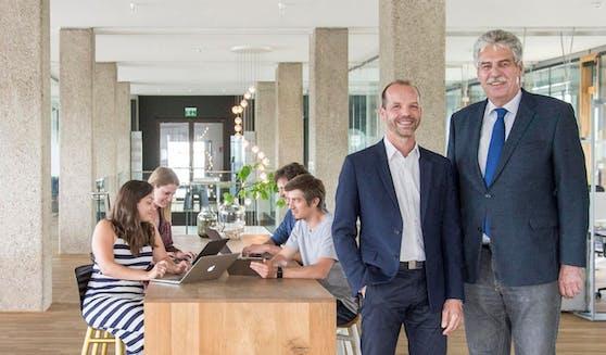 Hans Jörg Schelling mit Roomle-CEO Albert Ortig und Team.