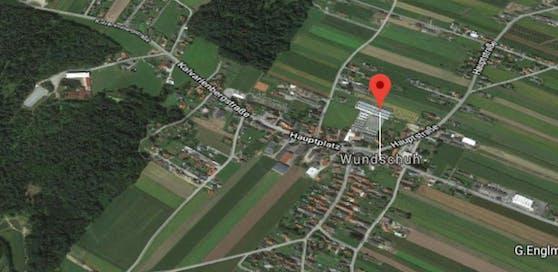 In einem Waldgebiet bei Wundschuh (Bezirk Graz-Umgebung) konnte die Polizei 36 mutmaßlich illegal Eingereiste aufgreifen.