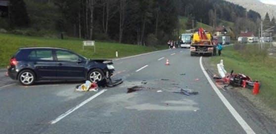 Ein Crash zwischen einem Pkw und einem Motorrad endete für den Biker in Radstadt tödlich.